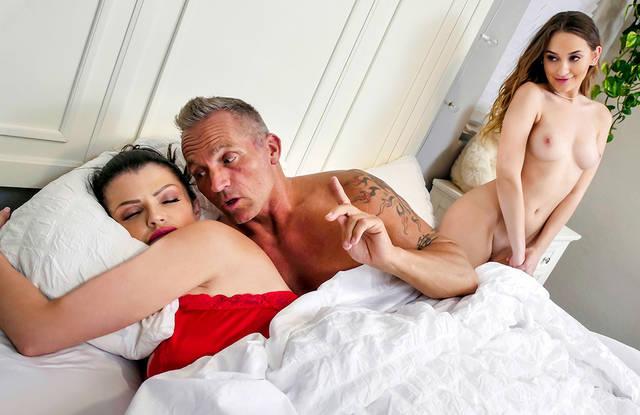 Порно Видео Спящие Скачать
